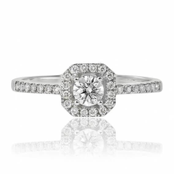 טבעת אירוסין בשיבוץ יהלומים בשילוב זהב לבן חצי קראט
