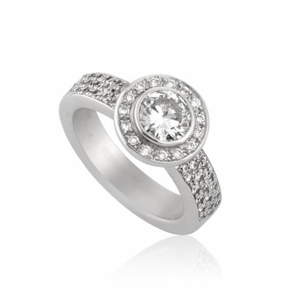 טבעת אירוסין וינטאג' יוקרתית בשיבוץ יהלומים וזהב צ'רי