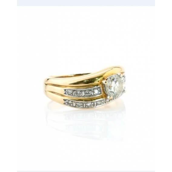 טבעת אירוסין יוקרתית עם 3 שורות יהלומים בזהב צהוב 0.76 קראט