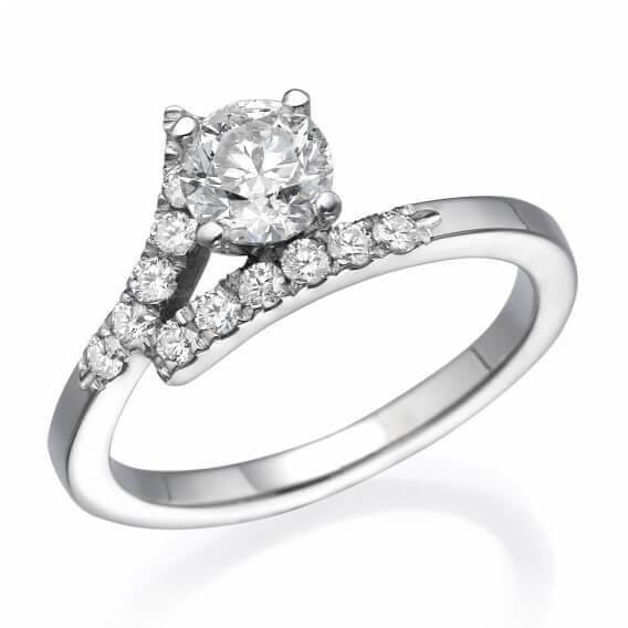 טבעת אירוסין משובצת יהלומים וזהב לבן נינה 1.0 קראט