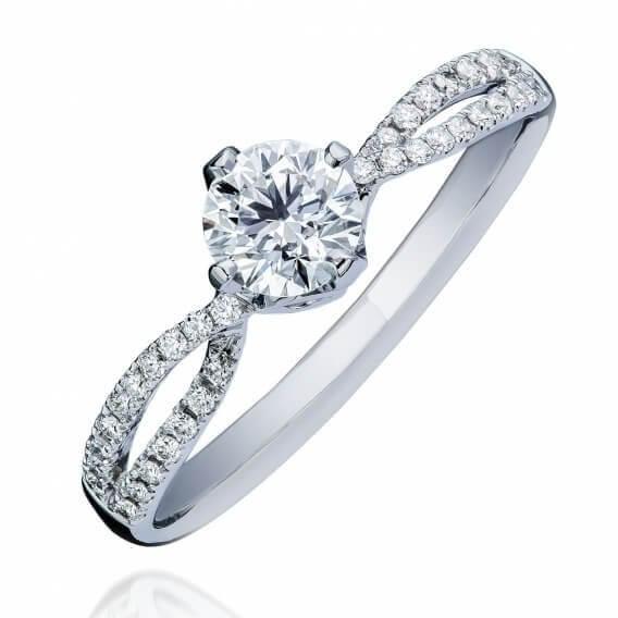טבעת אירוסין משובצת 2 שורות יהלומים זהב לבן