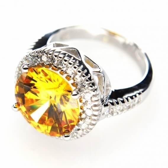 טבעת אירוסין וינטאג' בשיבוץ יהלומים ואבן חן 2.29 קראט - סול