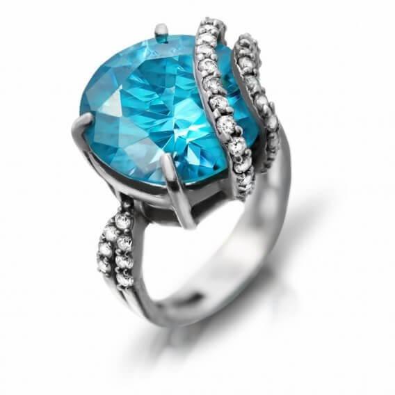 טבעת וינטאג' בשיבוץ יהלום אליזבת 1.40 קראט