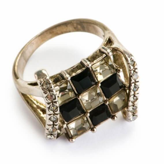 טבעת לגבר וינטאג' יוקרתית בשילוב יהלום שחור לבן ריבר 92 נקודות