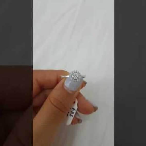טבעת וינטאג' יוקרתית חצי קראט בעיצוב מיוחד