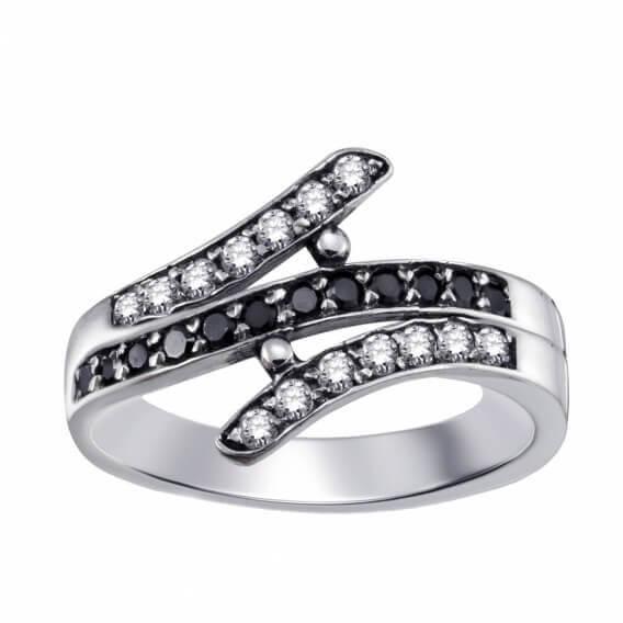 טבעת זהב לבן בשיבוץ יהלומים 0.52 קראט - איליי