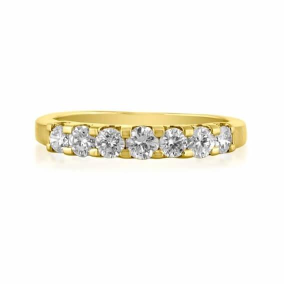 טבעת זהב לבן משובצת יהלומים 56 נקודות ונסה