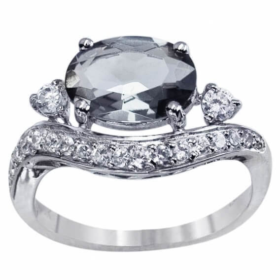 טבעת יהלום וינטאג' יוקרתית בשילוב אבן חן שחורה 2 קראט