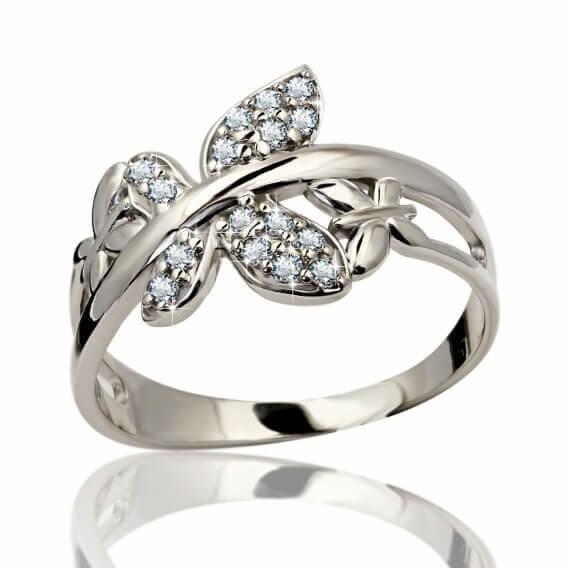 טבעת יהלום מעוצבת בצורת עלה זהב בשיבוץ יהלומים