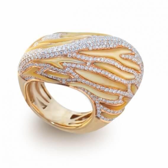 טבעת יהלומים בעיצוב חול המדבר זהב צהוב 3.78 קראט