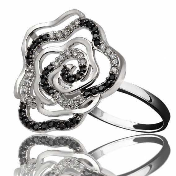 טבעת יהלומים בעיצוב מיוחד שחור לבן 62 נקודות