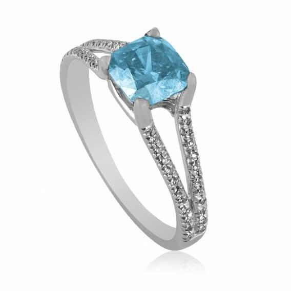 טבעת יהלומים בשילוב זהב לבן בעיצוב מיוחד סקיילר
