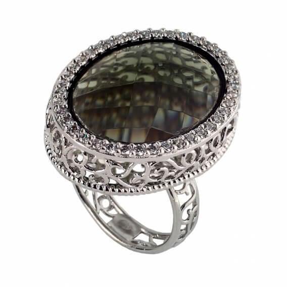 טבעת יהלומים יוקרתית בשילוב אבן חן שחורה 2.97 קראט - ספארו