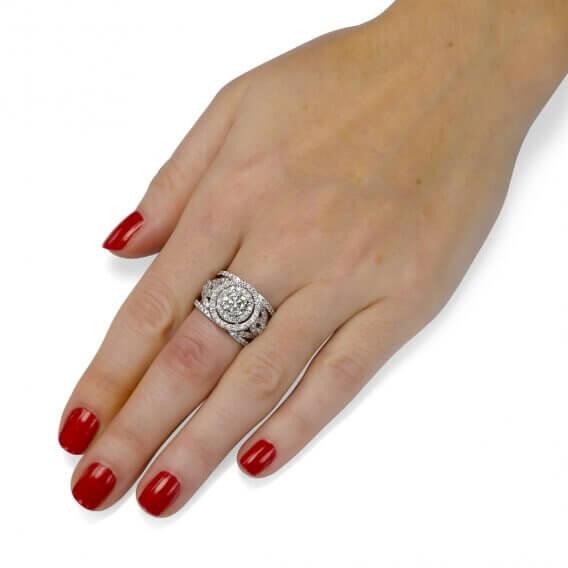 טבעת יהלומים יוקרתית 2.35 קראט מעוטרת זהב לבן ויהלומים - ארין