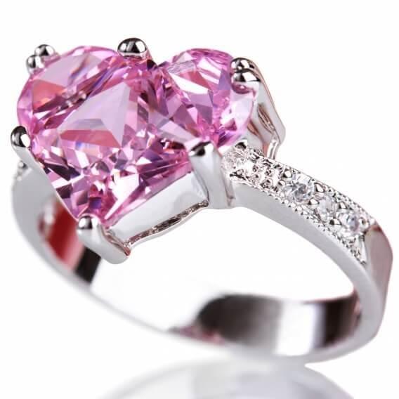 טבעת יהלומים מעוצבת בצורת לב עם אבן חן מרכזית 1.12 קראט - דורין