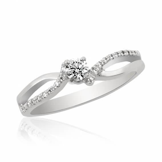 טבעת יהלומים קלאסית בשיבוץ זהב אליאנה