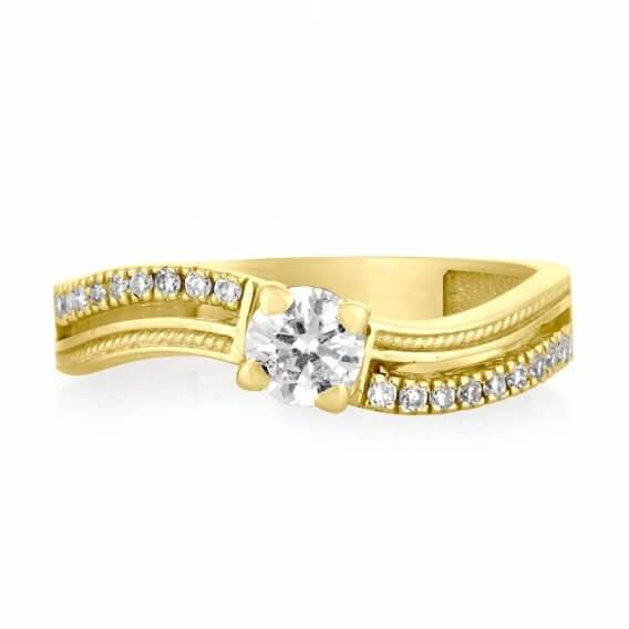 טבעת יהלומים קלאסית בשיבוץ זהב ויהלומים מלאני