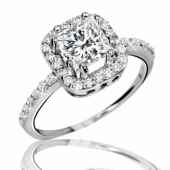 טבעת יהלומים קלאסית מרובעת זהב לבן 1.11 קראט