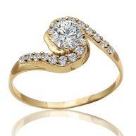 טבעת אירוסין יוקרתית בשיבוץ יהלומים וזהב צהוב חצי קראט