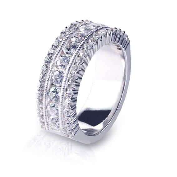 טבעת יוקרתית זהב לבן משובצת יהלומים 0.94 קראט לוסינדה