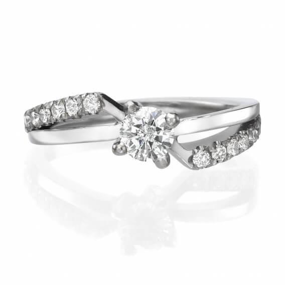 טבעת קלאסית משובצת יהלומים הלן SD 254